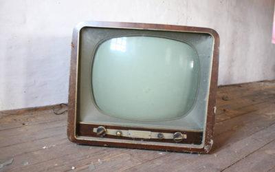 Proč sledovat právě anglické seriály? 👀